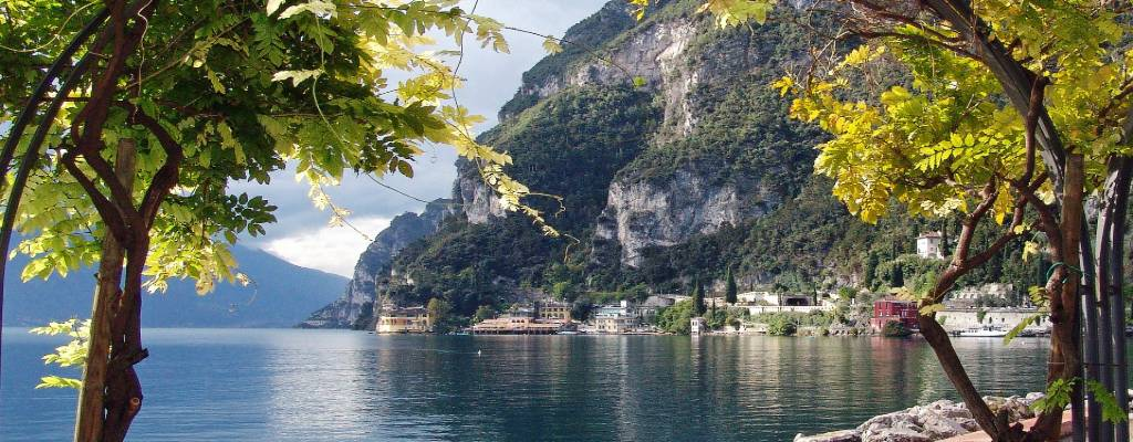 måske tage ophold omkring Gardasøen