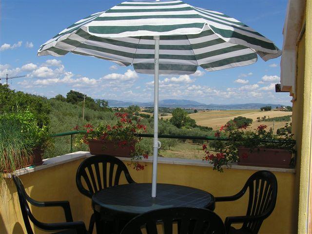 lej italiensk ferielejlighed med terasse